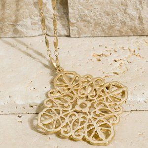 Gold Metal Clover Cable Chain Necklace